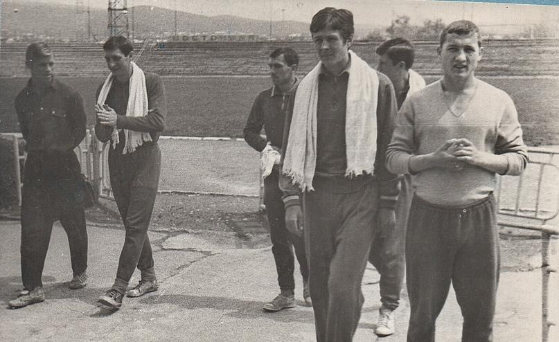 Команда 60-х. На фото крайний справа – Василий Поденков